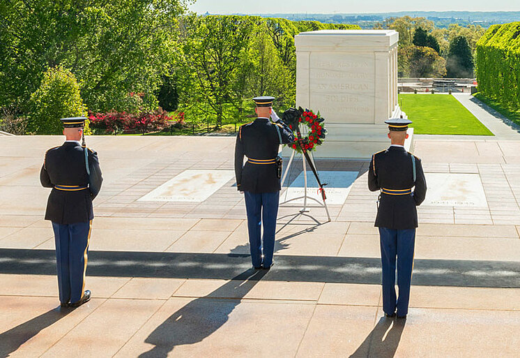 tomb of unknown soldier summer
