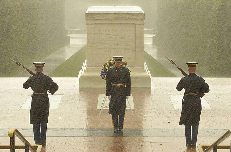 tomb of unknown soldier rain