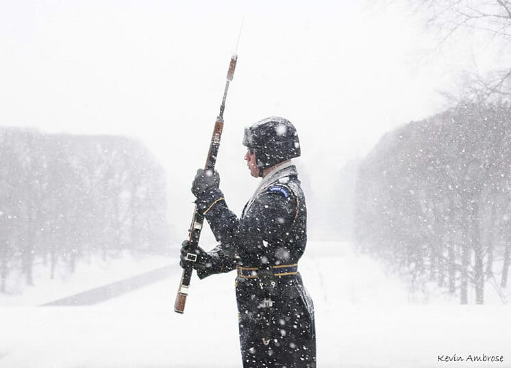 tomb of unknown soldier winter