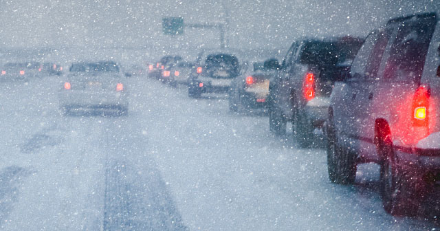 news insights winter weather outlooks news header cars in snow