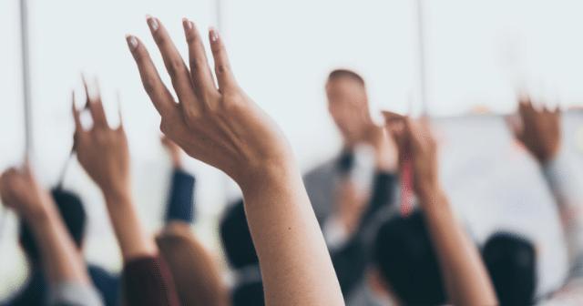 raise-hand-employee