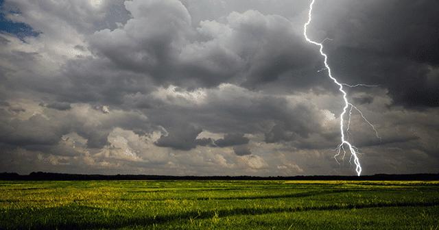 Blog Header Ag Field Thunderstorm